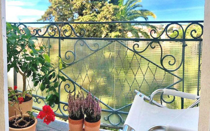 Large 2/3 bedrooms apartment with panoramic sea view – Cannes Petit Juas