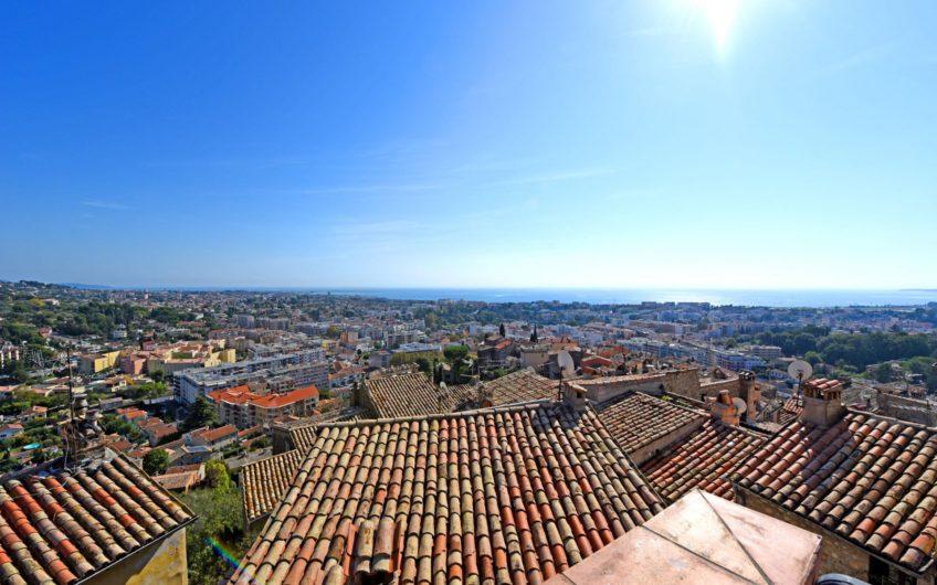 Superbe toit terrasse avec vue mer – Haut de Cagnes