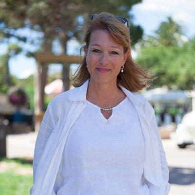 Helena Ellgar Larose