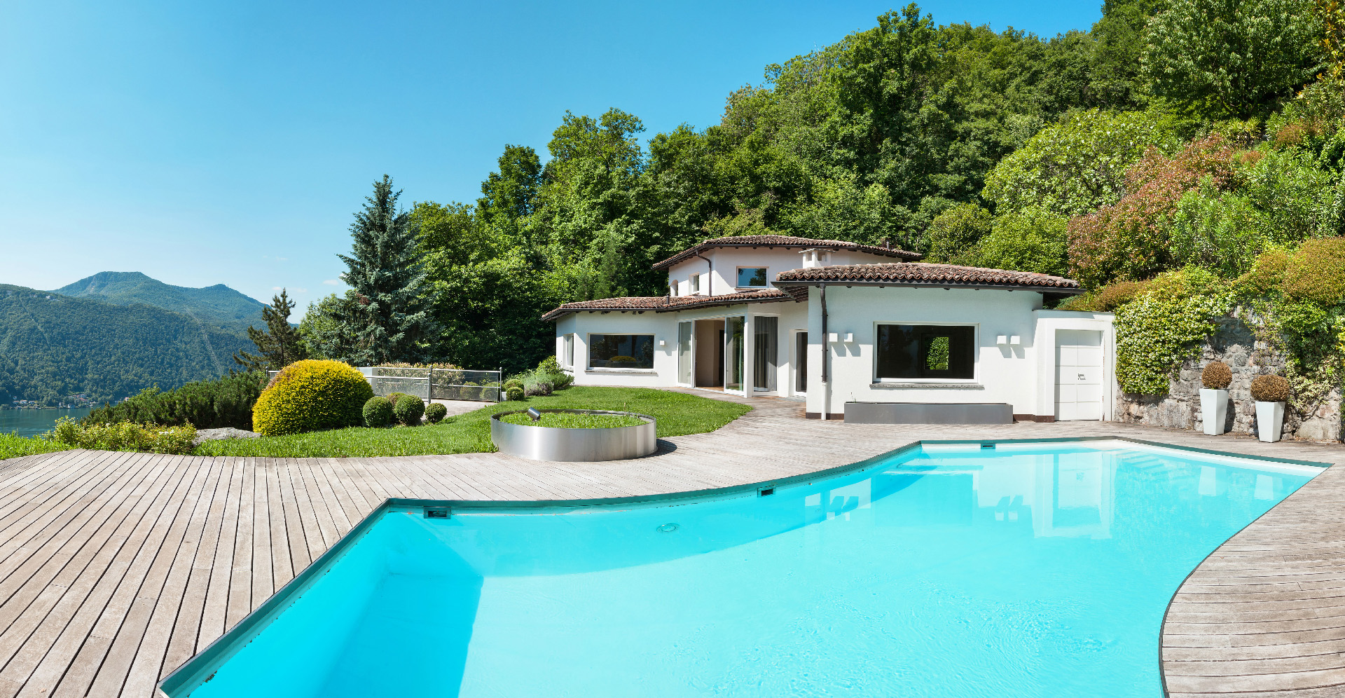 Estimation of a villa with pool