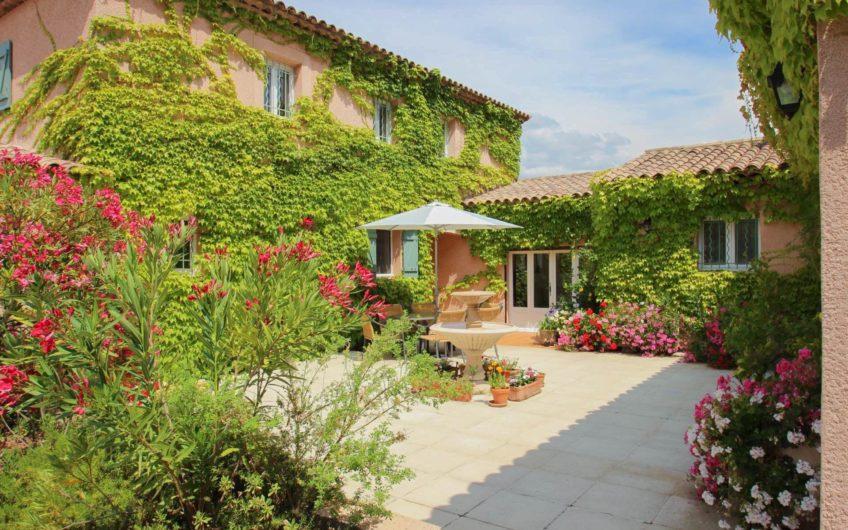Rymlig villa med panorama-utsikt – Montauroux