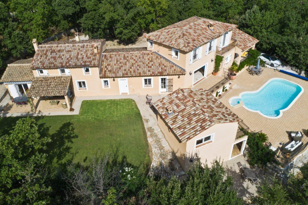 house in provence for sale with pool