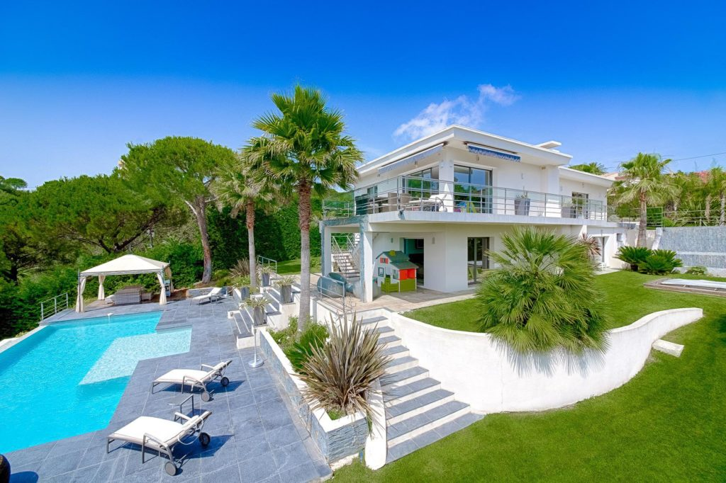 villa with pool for sale in cannes