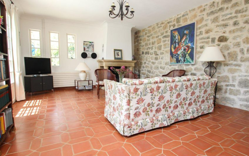 Provencale villa with panoramic view – Montauroux