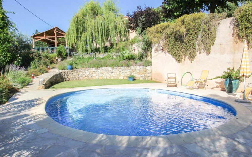 Villa with panoramic views – Fayence
