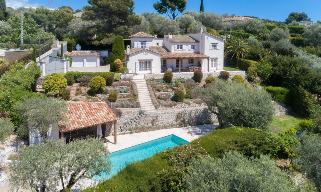 house for sale with pool in mougins