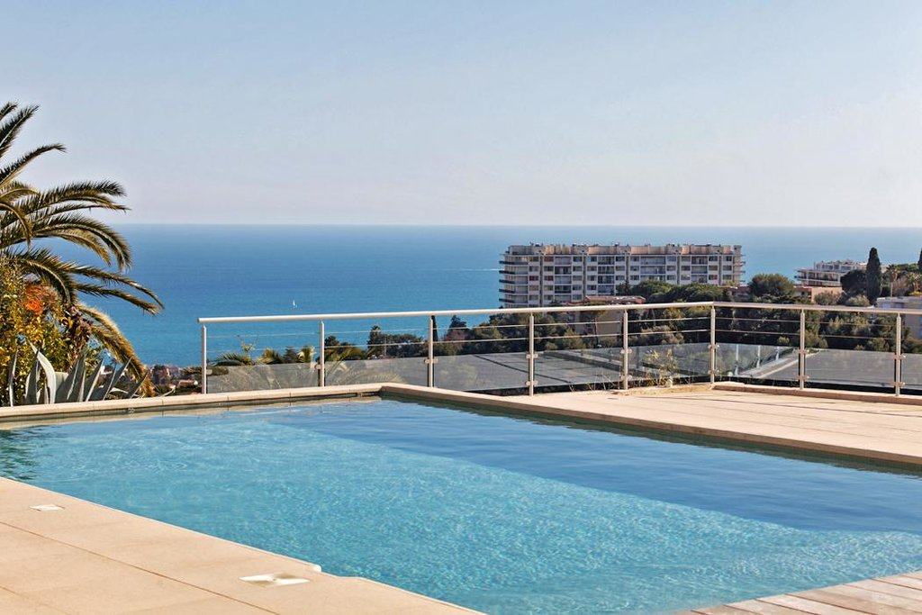 house for sale in nice with pool