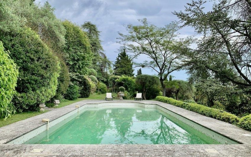 Property of more than one hectare, park, sea view, Mazet, barn and license granted for another house of 375 m² – Grasse