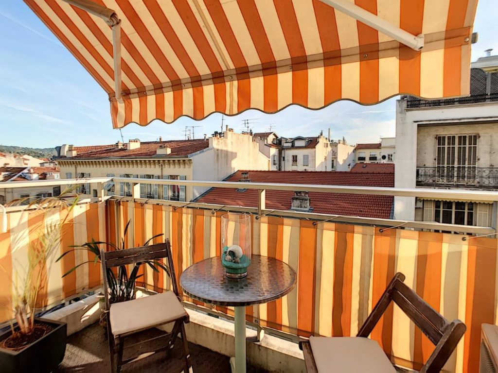 apartment for sale in nice with view