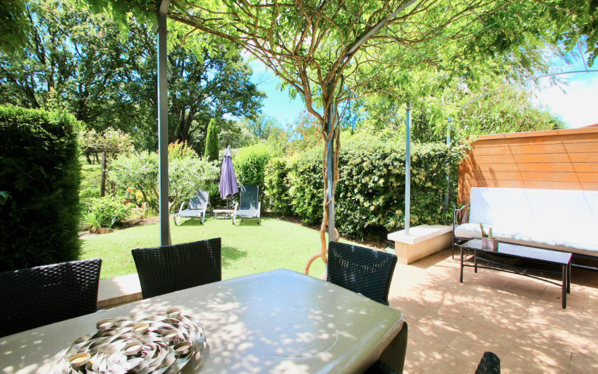 Roquebrune-s-Argens, beautiful situated villa with 3/4 bedrooms and view at the golf-course