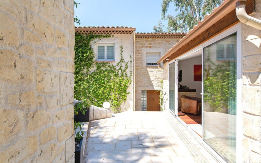 Modern villa with pool – Cannes Croix des Gardes