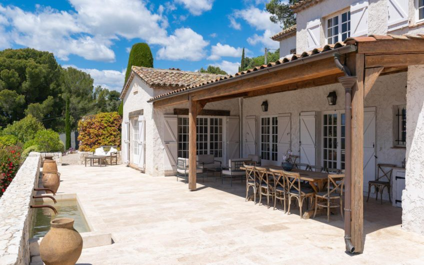 5 bedroom astonish villa with pool and sea view – Mougins