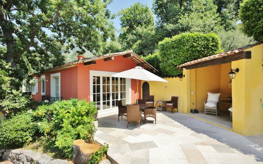 Propriété avec piscine et vaste jardin – Mougins Golf