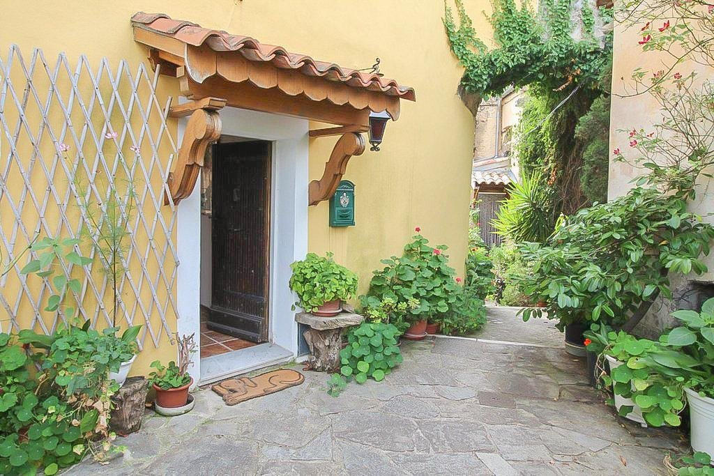 charming 1 bedroom apartment for sale in south france
