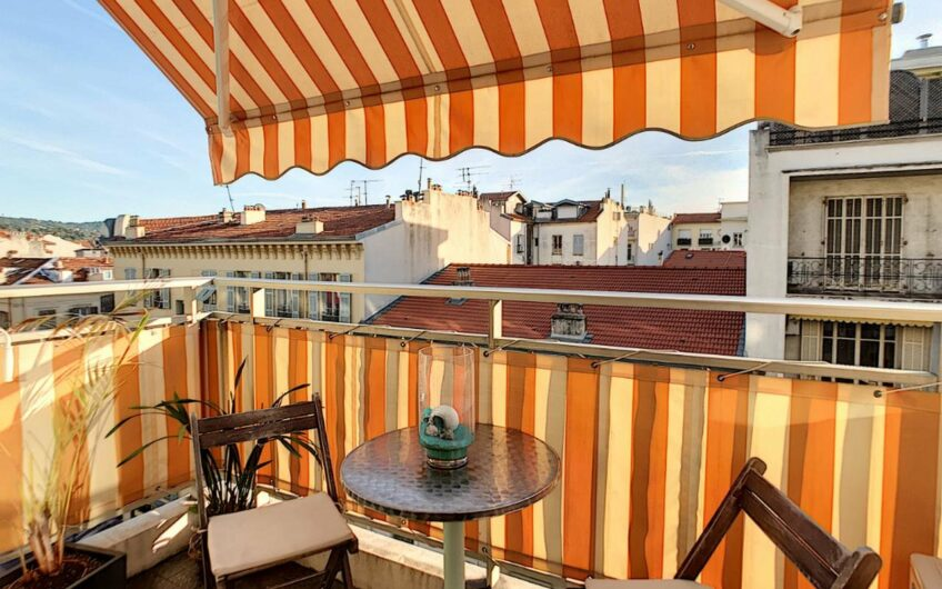 Joli 3P avec terrasse – Nice Carré d'Or
