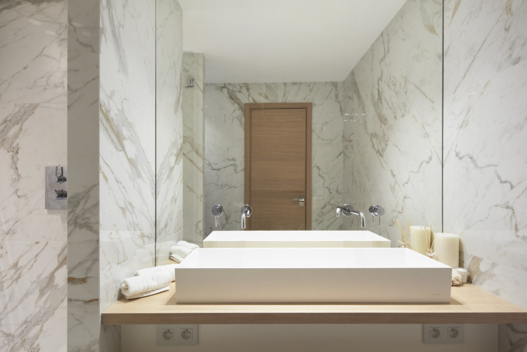 bathroom of luxury apartment in cannes for sale with marble walls