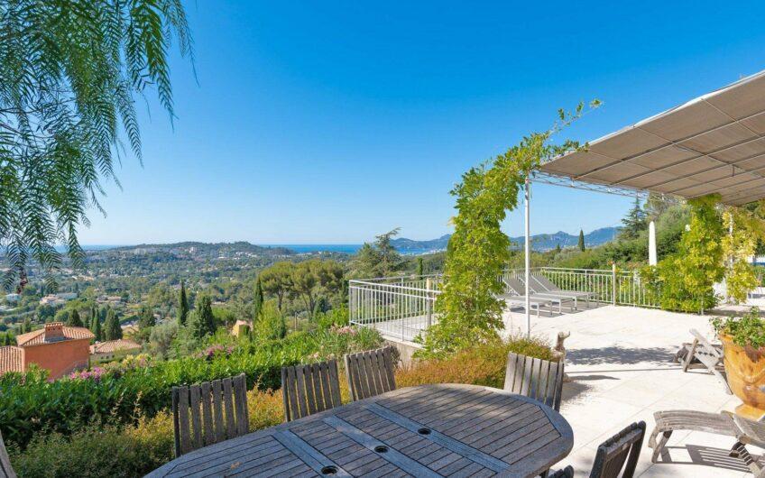Luxueuse villa avec vue mer – Mougins