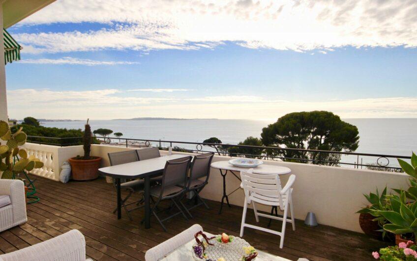 Terrasse vue mer panoramique – Cannes