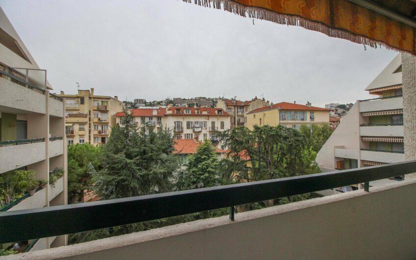 2P avec 2 terrasses  – Nice Gambetta