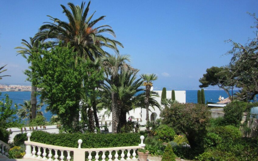 Belle Villa vue mer – Cap d´Antibes