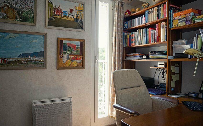 Appartement vue mer avec grande terrasse – Hyères