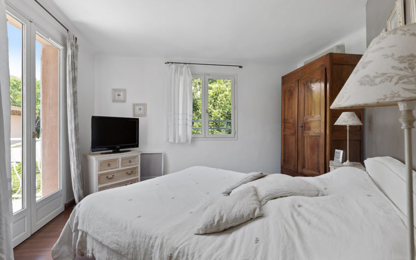 Charming villa on the west side – Cap d'Antibes