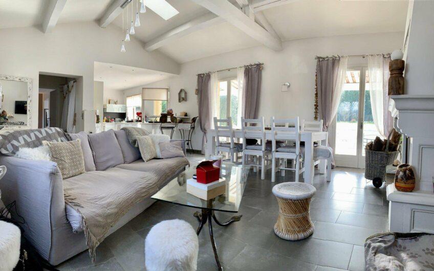 Villa en parfait état avec piscine et proche du golf – Callian