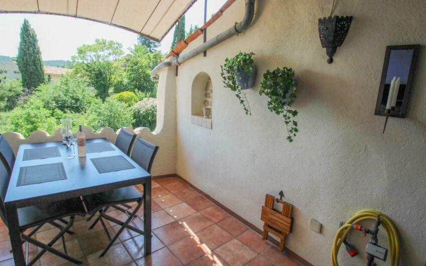 Maison de village avec terrasse  – Seillans