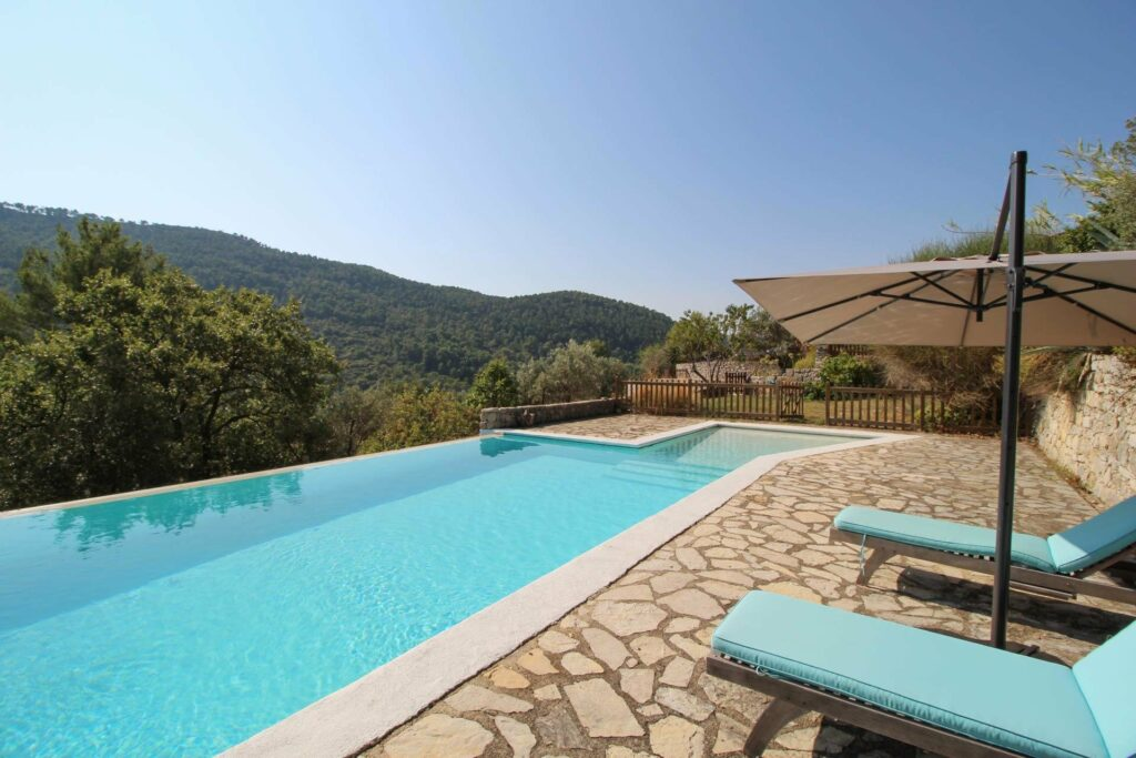 villa for sale in south of france with pool