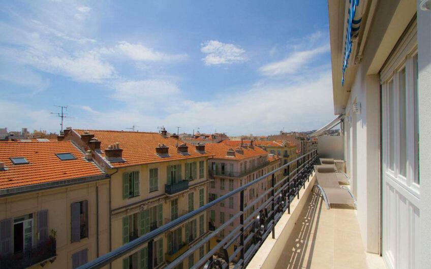 3P avec terrasse – Nice Carré d'Or