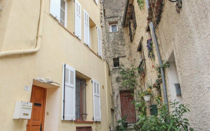 Maison de village avec terrasse – Fayence