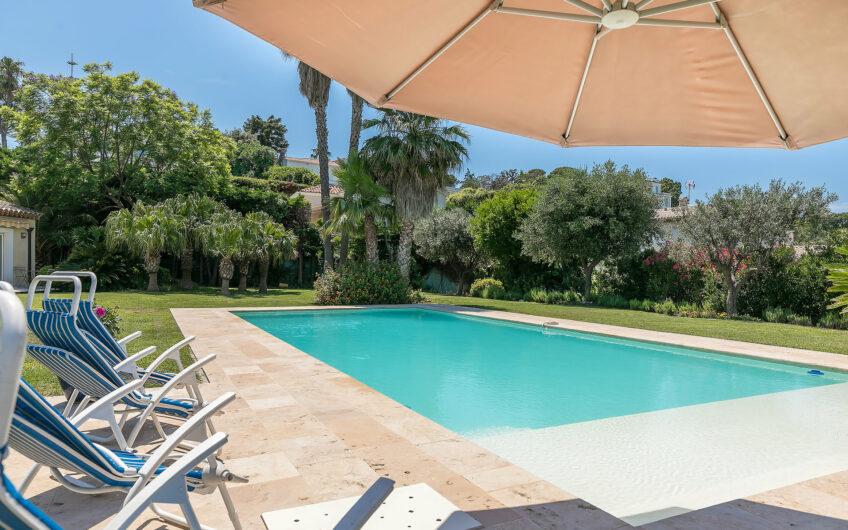 Charmante villa néo-provençale – Cap d'Antibes