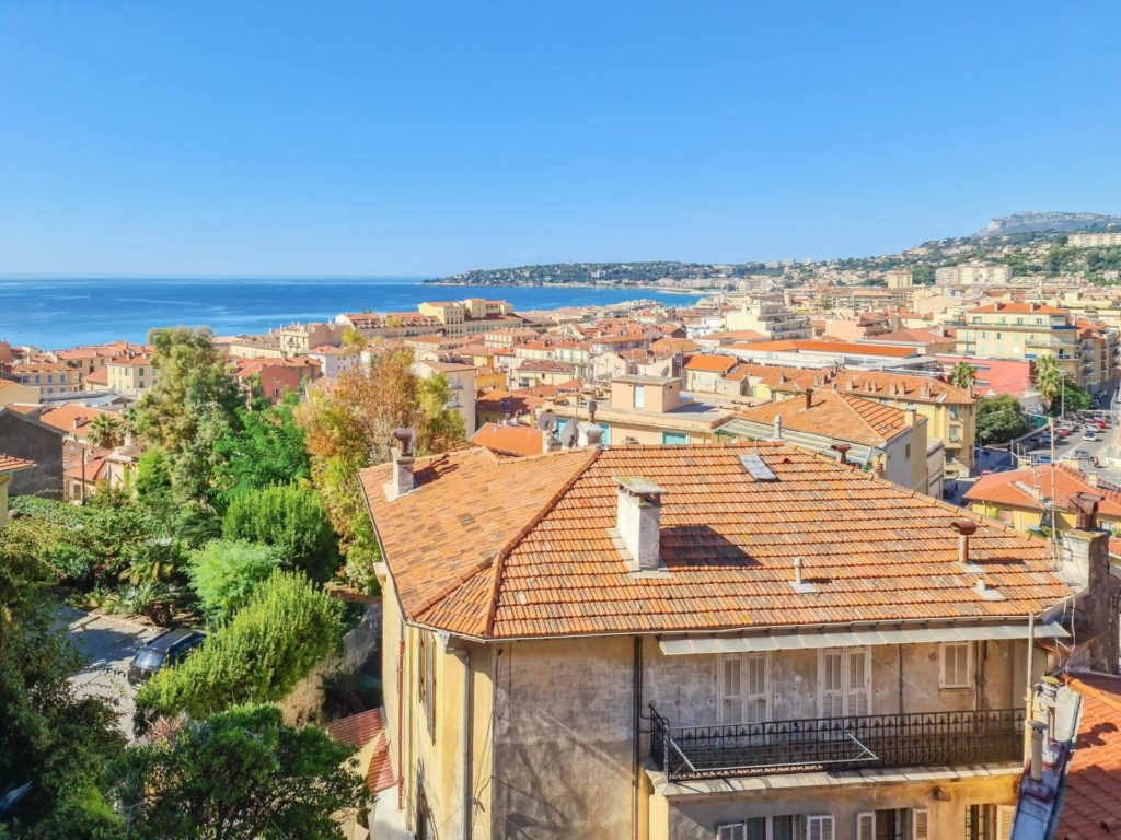 apartment with terrace for sale in antibes