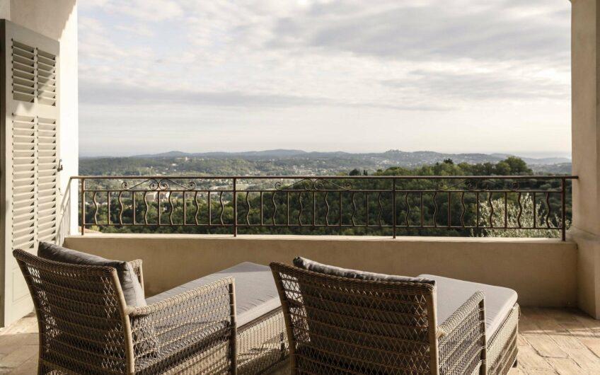 Utsökt arkitekt ritat hus med franska rivierans bästa utsikt – Chateauneuf