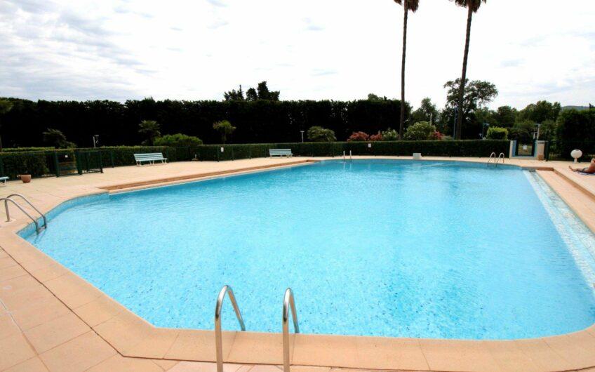 Bel appartement 4P vue golf – Mandelieu la Napoule