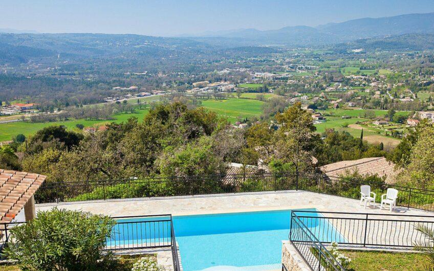 Superbe villa avec vue panoramique – Montauroux