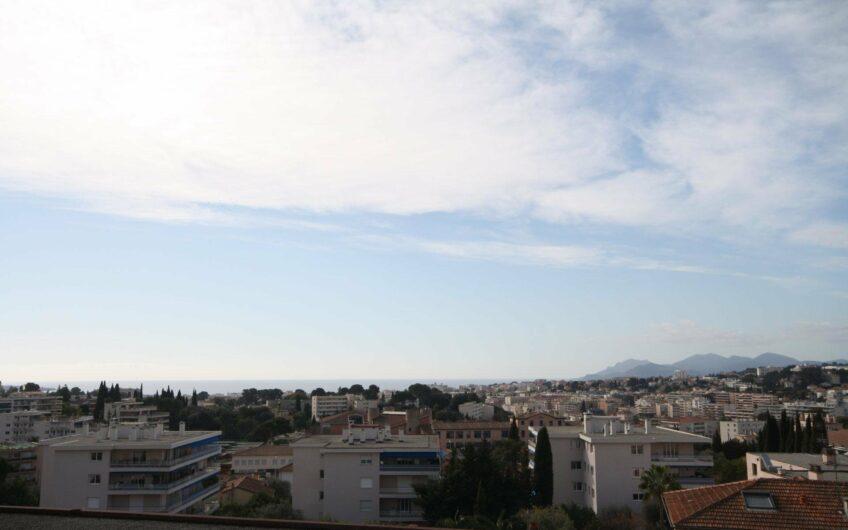 Bel appartement avec vue mer panoramique – Le Cannet