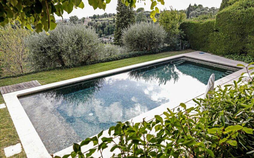 CHATEAUNEUF DE GRASSE – arkitekttegnet hus med fantastisk utsikt