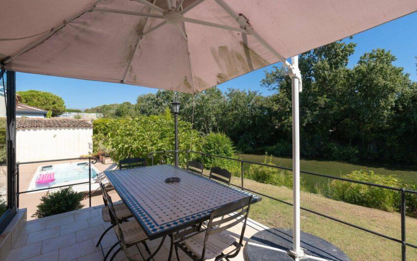 Villa atypique proche du fleuve – Villeneuve Loubet
