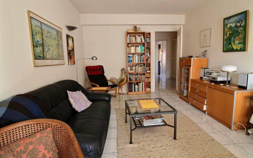 Appartement 3 pièces – Antibes Centre