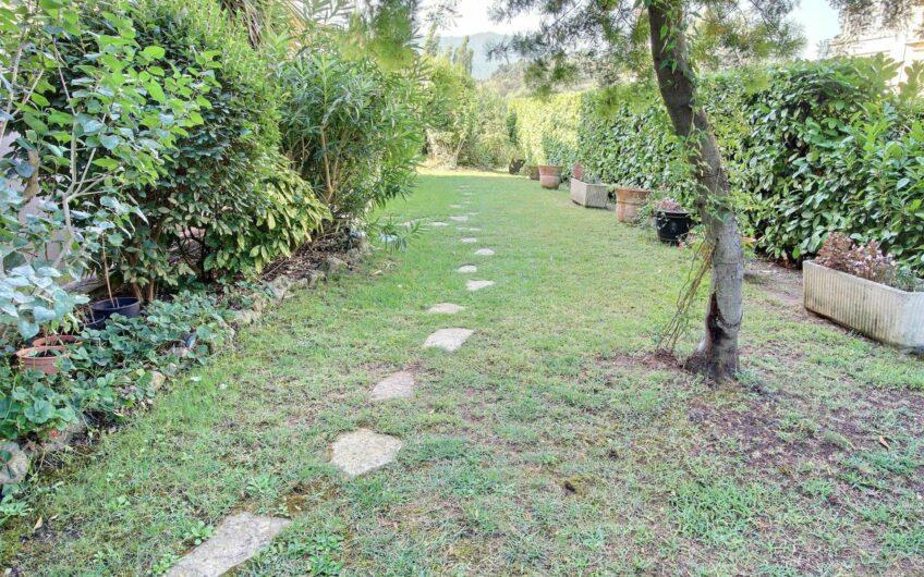 Appartement avec jardin dans un domaine sécurisé avec piscine – Mandelieu