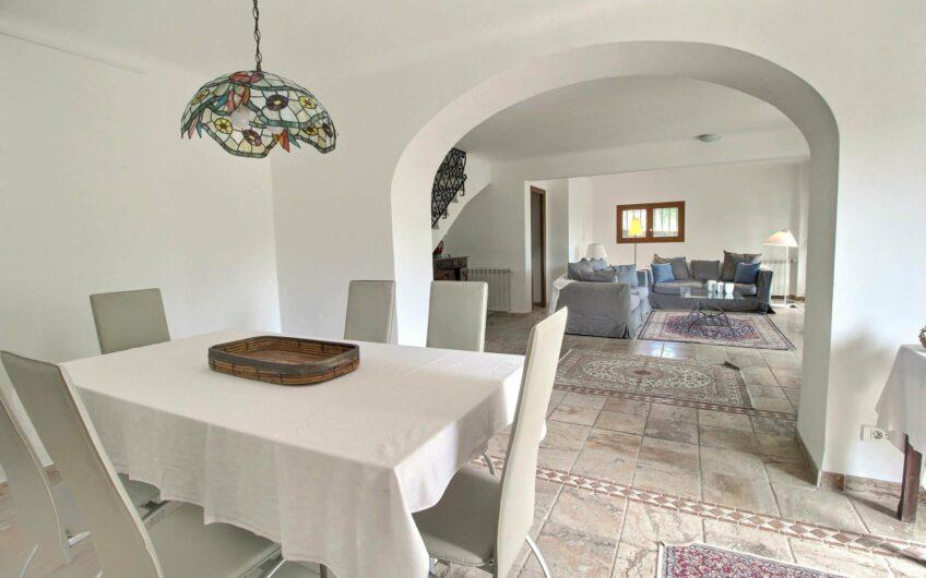 Belle villa avec studio séparé – Tourrettes