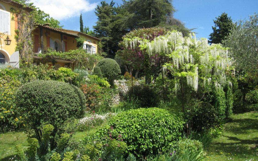 Propriété avec parc, vue mer, Mazet et grange – Grasse