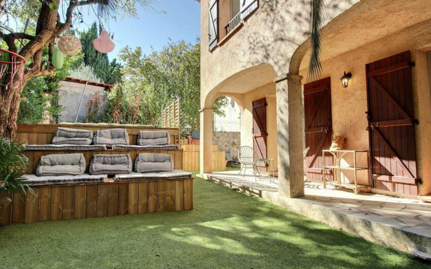 Sublime villa provençale avec piscine – Cannes Petit Juas