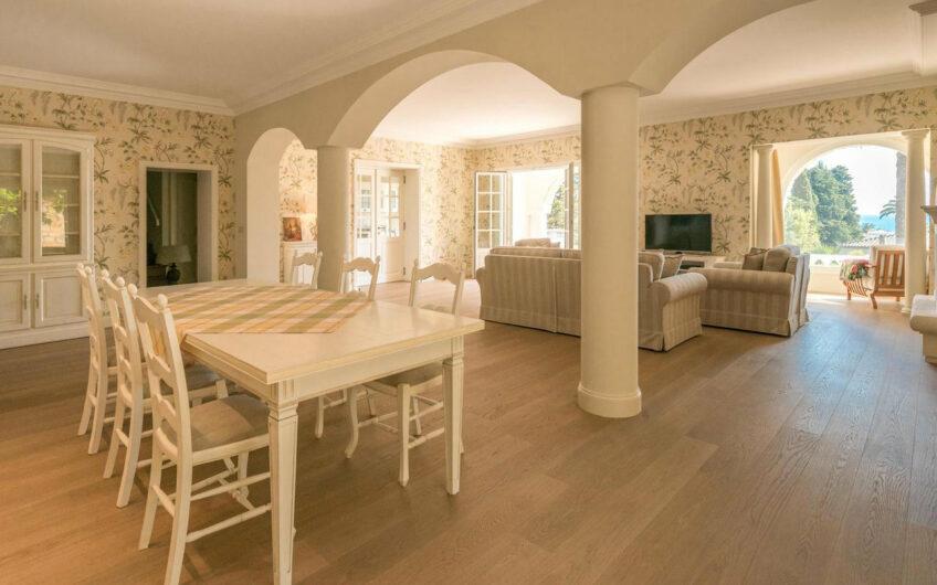 Maison en pierre près de la mer – Cannes