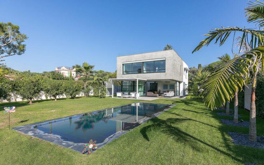 Villa contemporaine proche plages – Cap d'Antibes