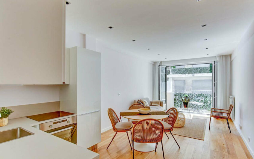 2-bedroom with balcony – Nice Carré d'Or