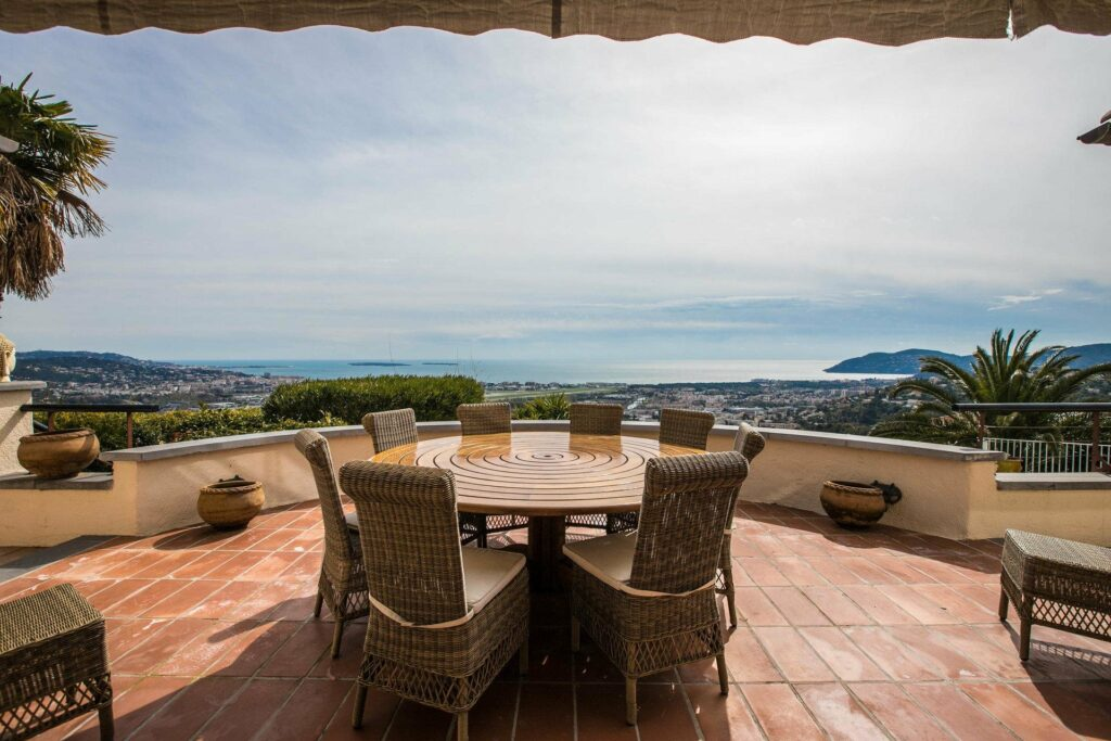 top floor deck of villa with an sea view of french riviera