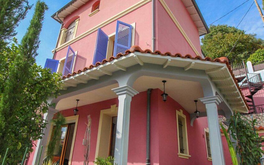Hus med garasje, studio og parking – Nice Cimiez