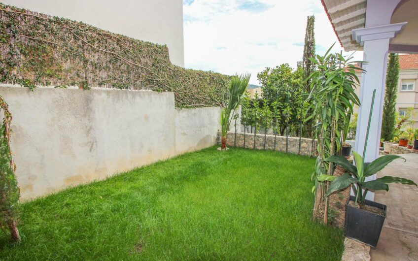 House with garage, studio and parking – Nice Cimiez